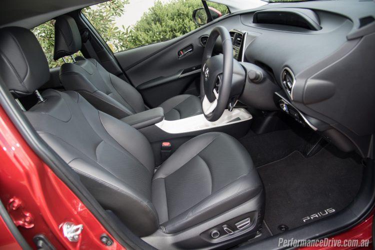 2016 Toyota Prius-seats