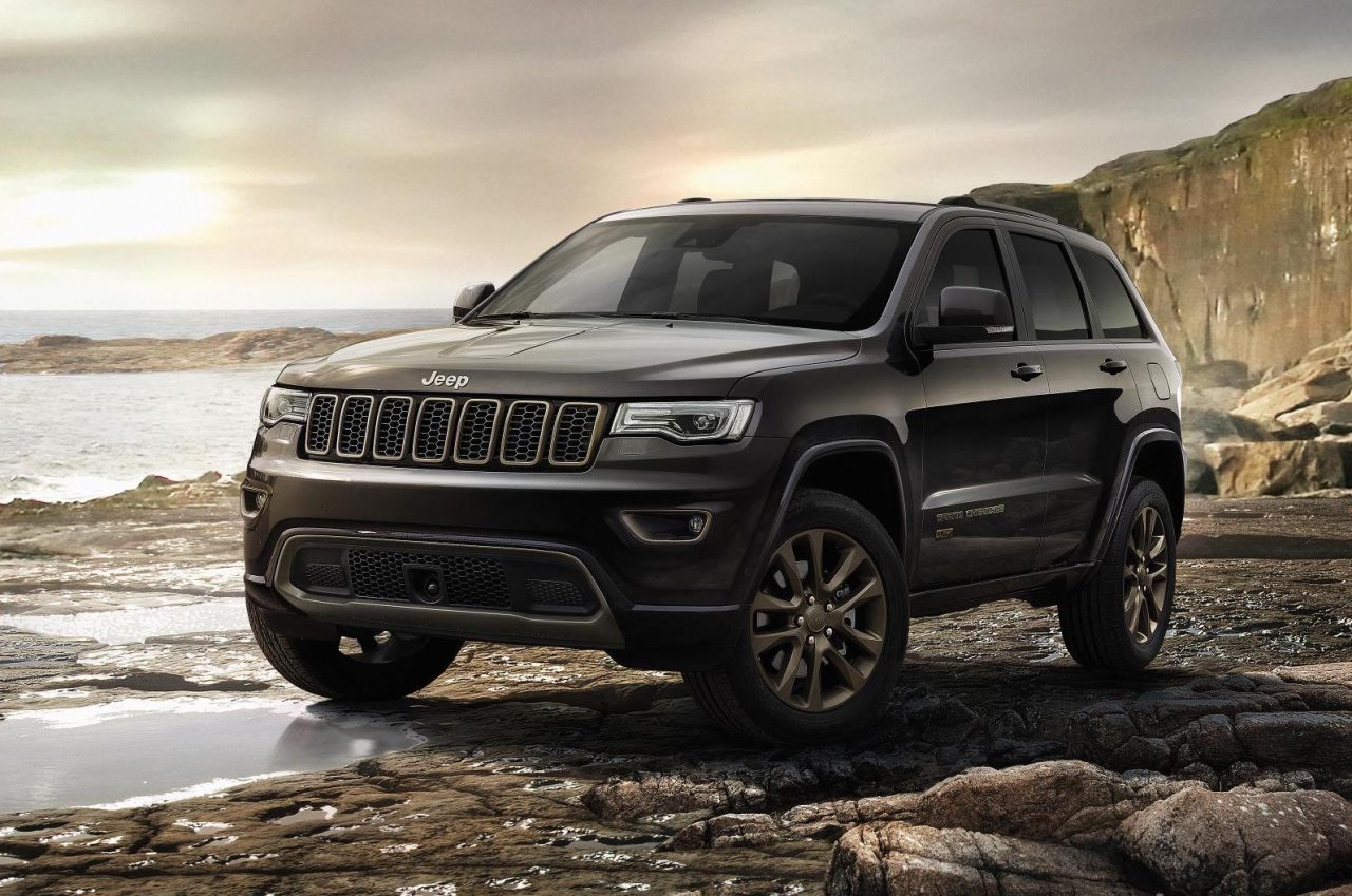 2017 jeep grand cherokee gets new shifter electric. Black Bedroom Furniture Sets. Home Design Ideas