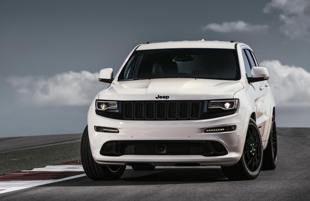 2017 Jeep Grand Cherokee gets new shifter, electric steering, stop ...