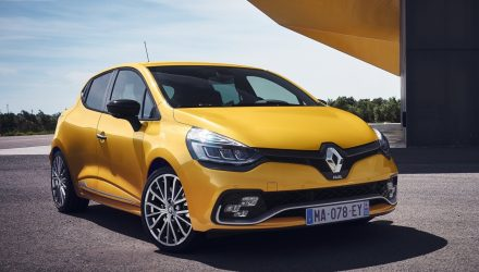 2017 Renault Clio R.S. unveiled with light facelift