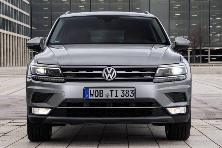 2017 Volkswagen Tiguan-grille