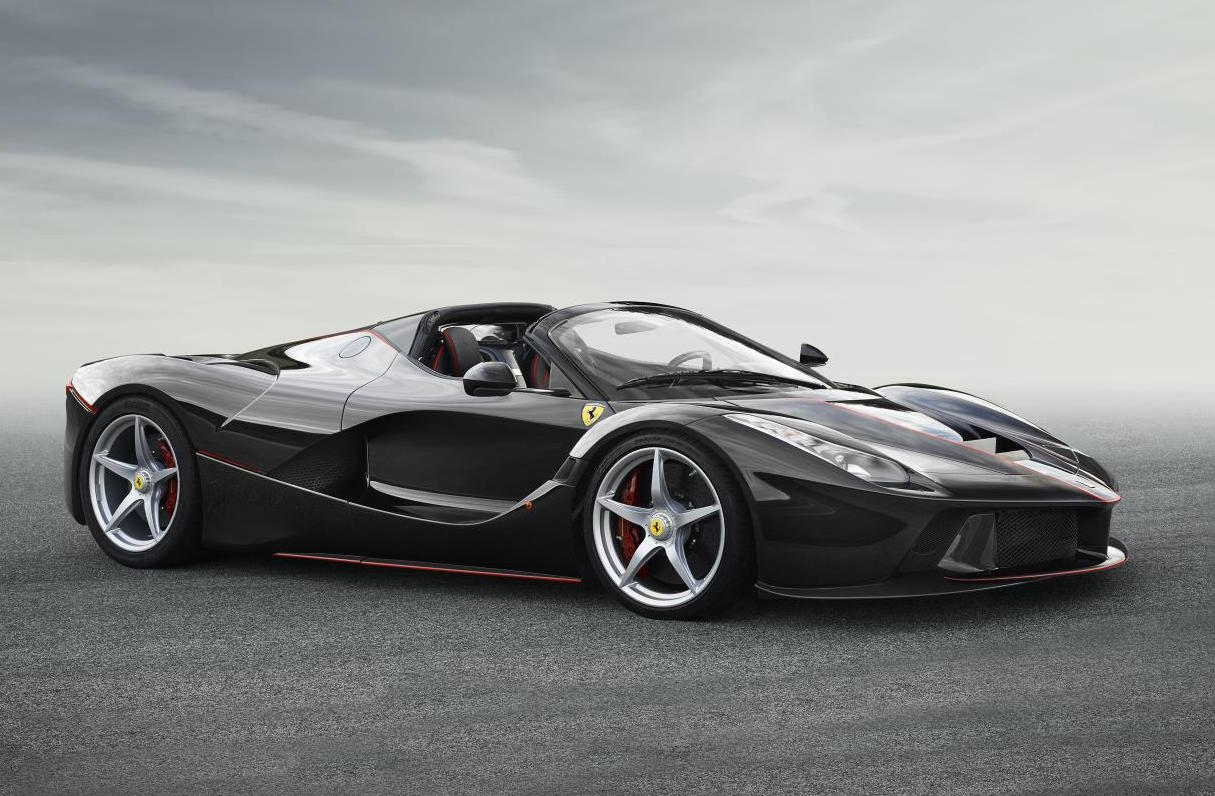 first images of laferrari drop top 39 spider 39 revealed sold out already performancedrive. Black Bedroom Furniture Sets. Home Design Ideas