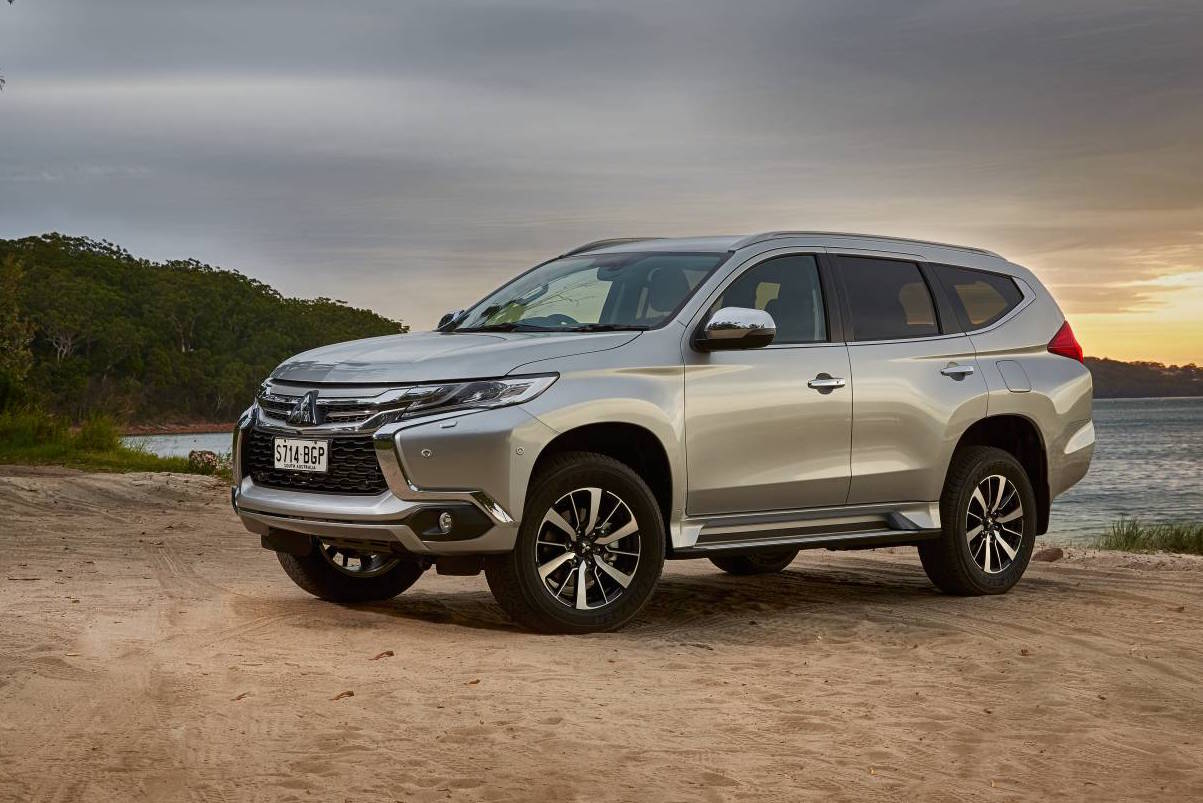 mitsubishi pajero sport gls exceed now standard with seven seats in australia performancedrive. Black Bedroom Furniture Sets. Home Design Ideas