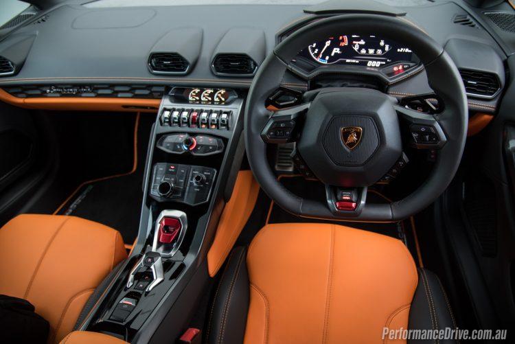 2016 Lamborghini Huracan LP580-2 dashboard