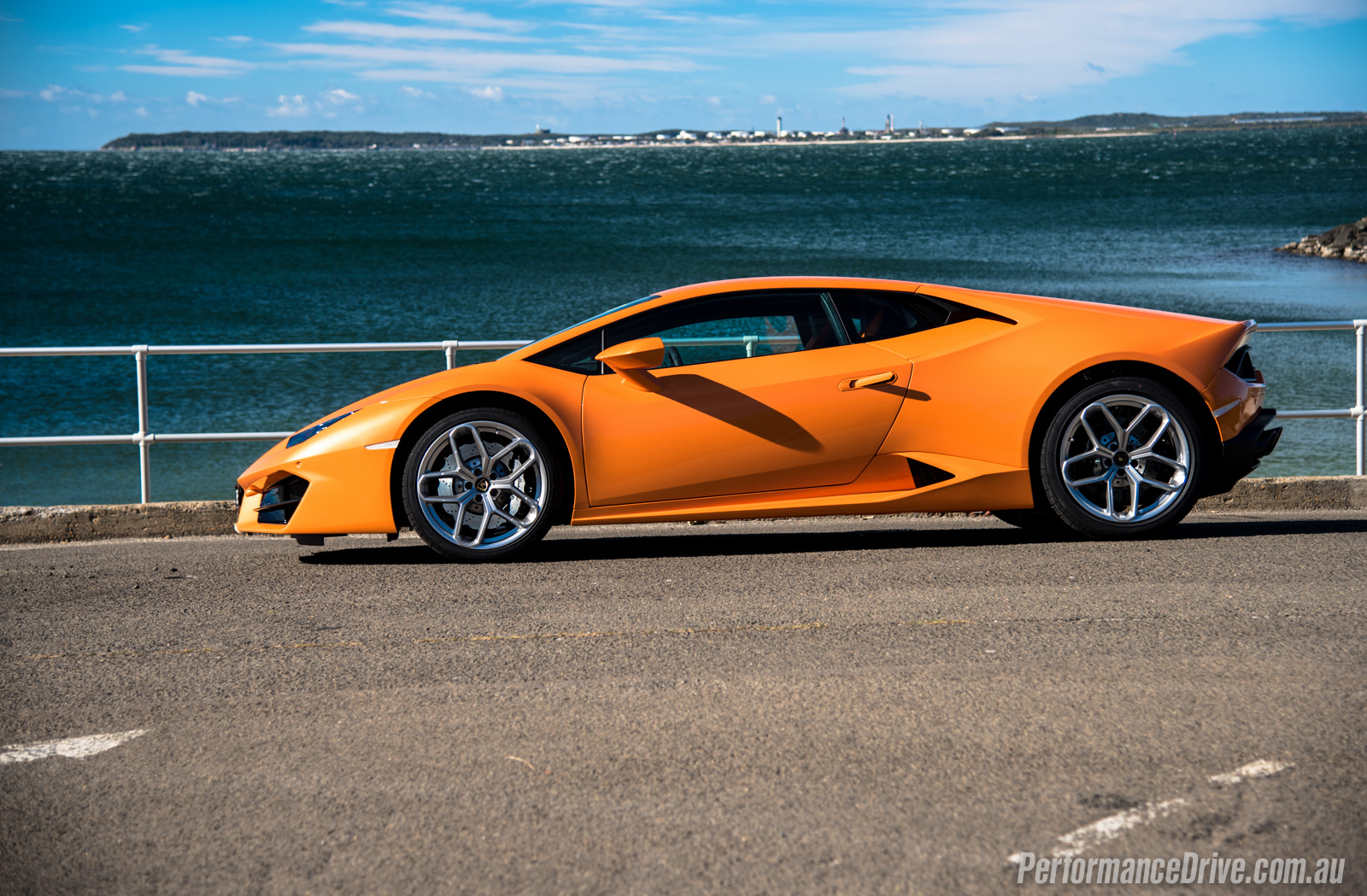 2016 lamborghini huracan lp 580 2 review video. Black Bedroom Furniture Sets. Home Design Ideas