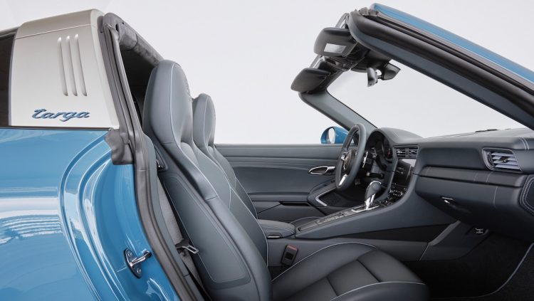 2016 Porsche 911 Targa Design Edition-seats