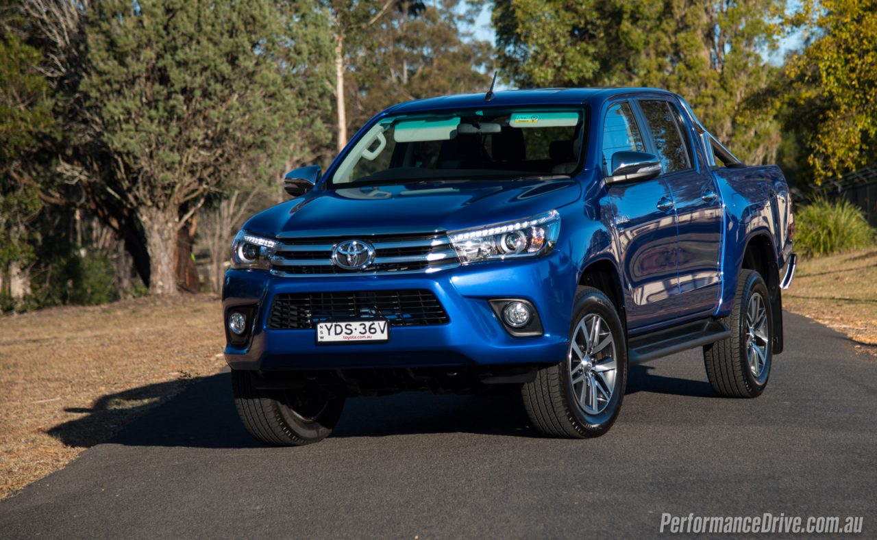 2016 toyota hilux sr5 v6 review video performancedrive. Black Bedroom Furniture Sets. Home Design Ideas