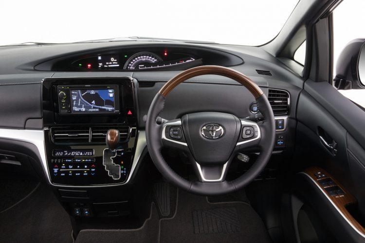 2016 Toyota Tarago interior