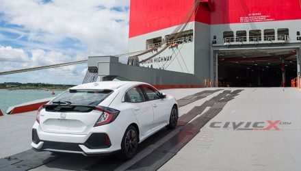 2017 Honda Civic hatch spotted, first look at production body