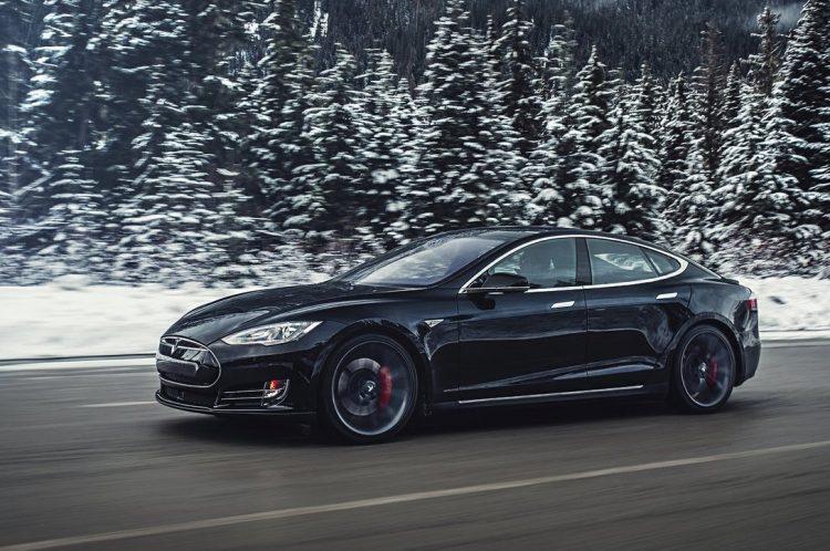Tesla Model S-snow