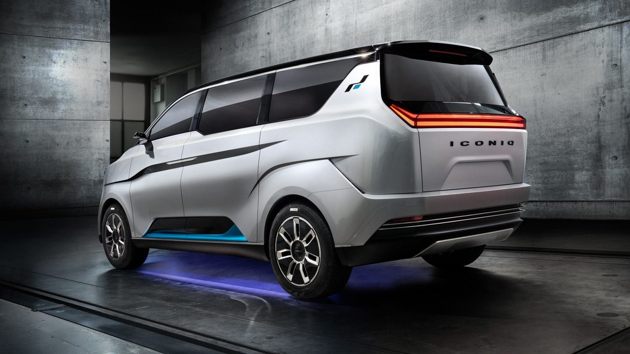 W Motors Reveals Iconiq Seven Ev Minibus Performancedrive