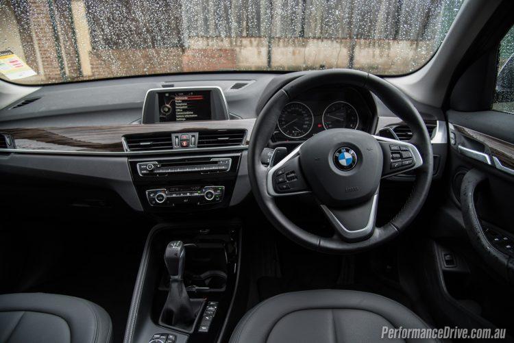 2016 BMW X1 xDrive20d-dash