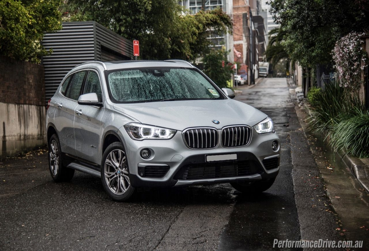 2016 bmw x1 xdrive20d review video performancedrive. Black Bedroom Furniture Sets. Home Design Ideas