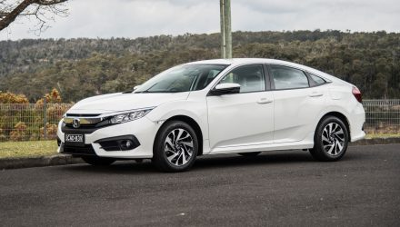 2016 Honda Civic VTi-S sedan review (video)