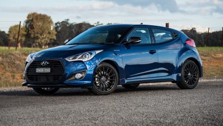 2016 Hyundai Veloster Street Turbo review (video)