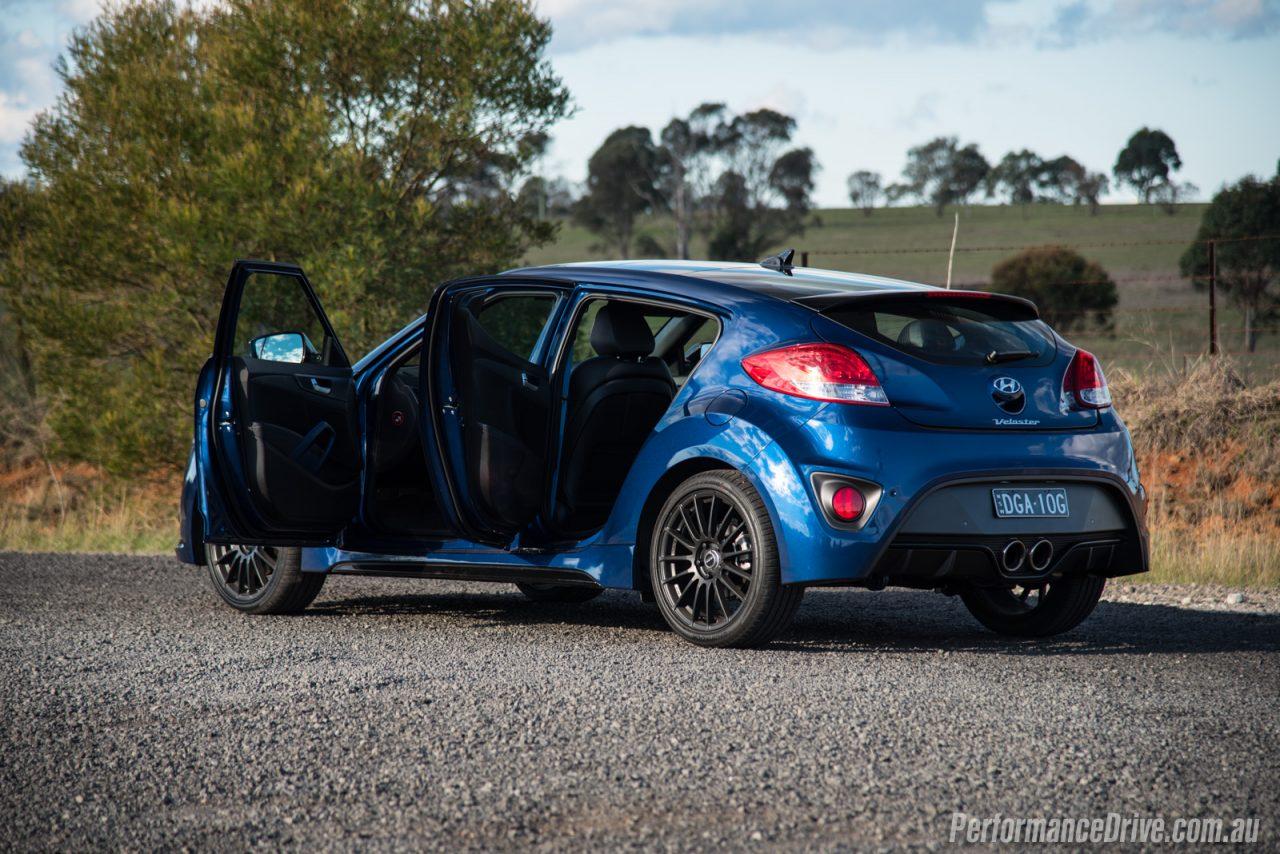 2016 Hyundai Veloster Street Turbo Review Video