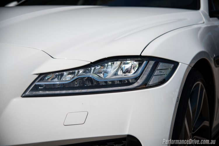 2016 Jaguar XF S 35t-LED headlights