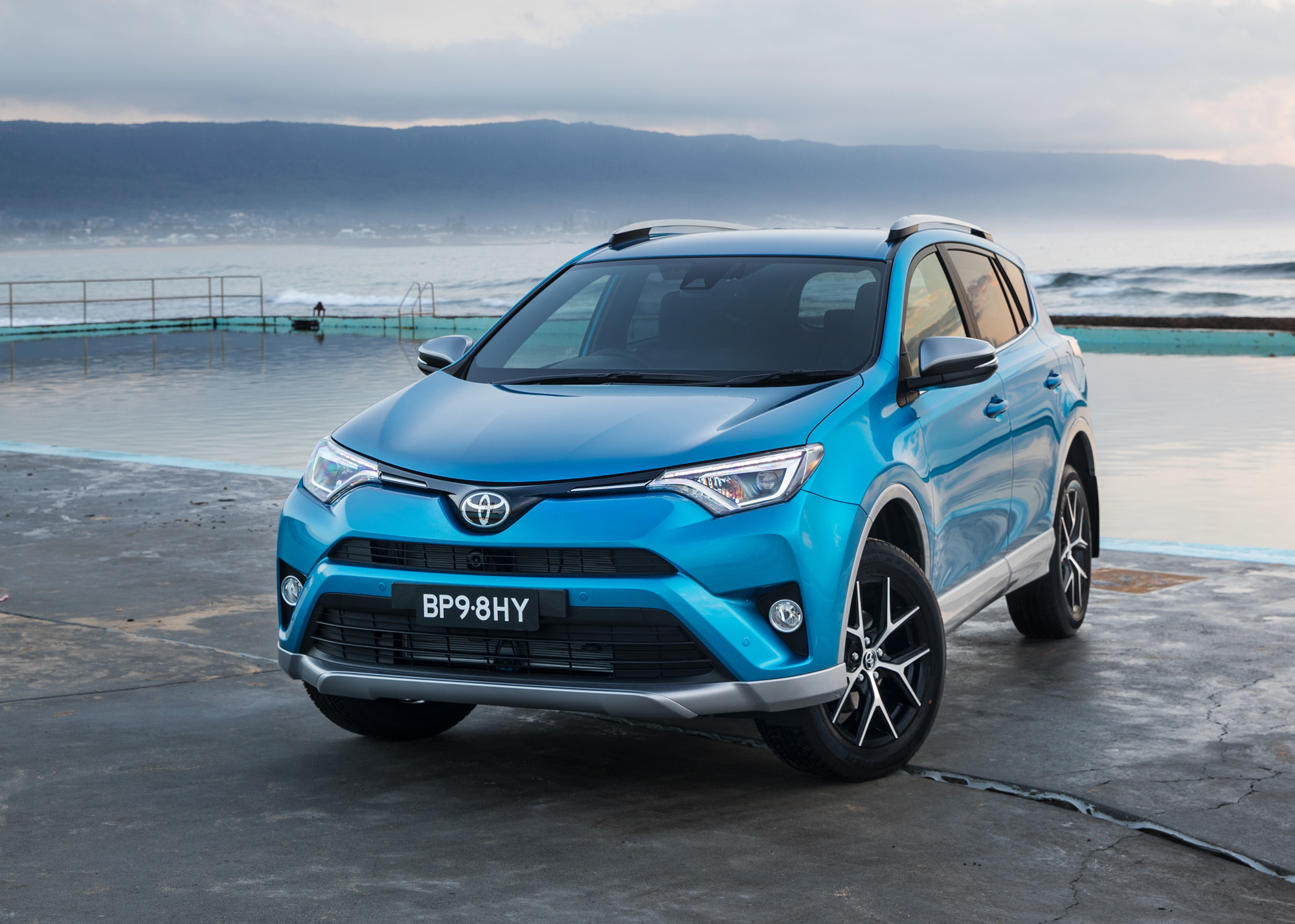 2016 toyota rav4 updates announced added safety tech performancedrive. Black Bedroom Furniture Sets. Home Design Ideas