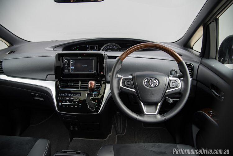 2016 Toyota Tarago Ultima-dash