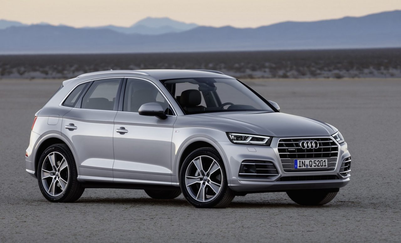 2017 audi q5 revealed at paris show up to 90kg lighter. Black Bedroom Furniture Sets. Home Design Ideas