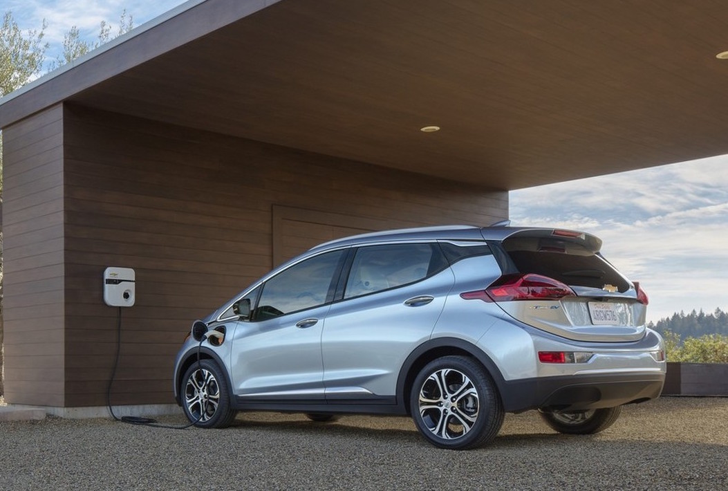 2017 chevrolet bolt rated 383km range by us epa. Black Bedroom Furniture Sets. Home Design Ideas