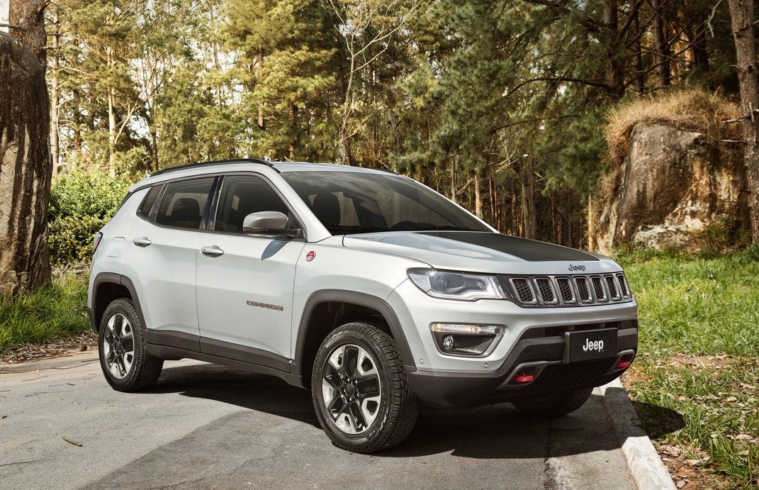 2017 jeep compass officially revealed performancedrive. Black Bedroom Furniture Sets. Home Design Ideas