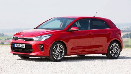 2017 Kia Rio revealed, gets new 1.0L turbo