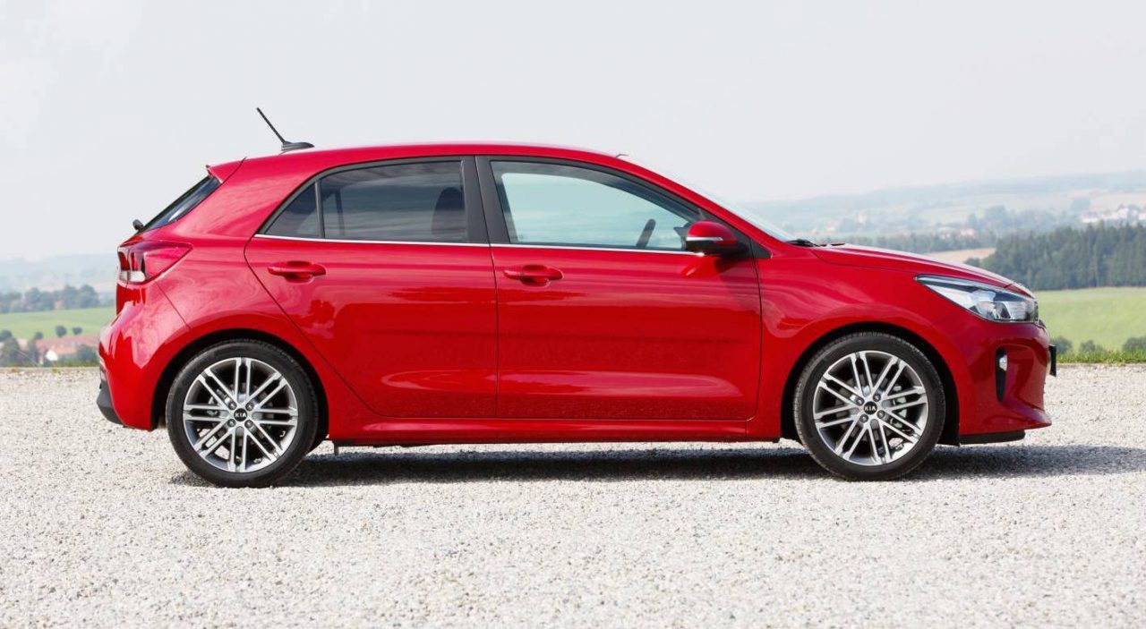 2017 kia rio revealed gets new 1 0l turbo performancedrive. Black Bedroom Furniture Sets. Home Design Ideas