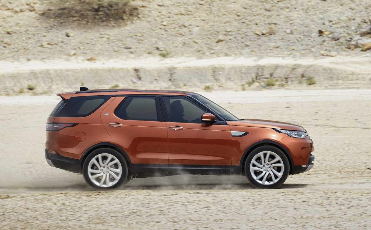 2017 land rover discovery unveiled on sale in australia in july performancedrive. Black Bedroom Furniture Sets. Home Design Ideas