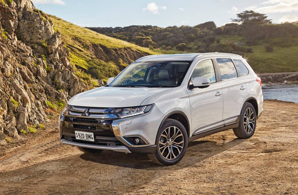 2017 mitsubishi outlander on sale in australia from 28 750 performancedrive. Black Bedroom Furniture Sets. Home Design Ideas