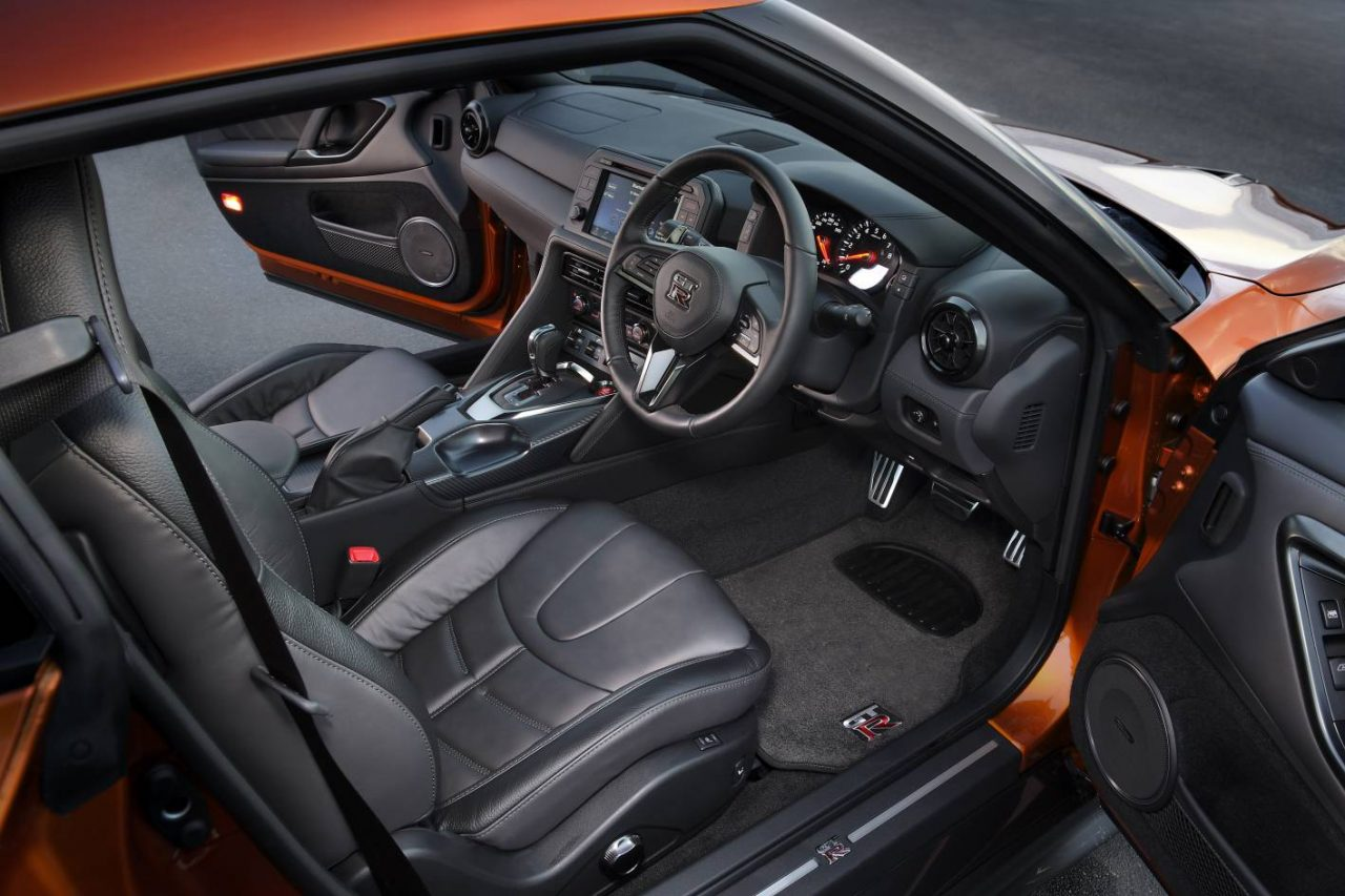 2017 nissan gt r now on sale in australia from 189 000 for Nissan gtr interieur