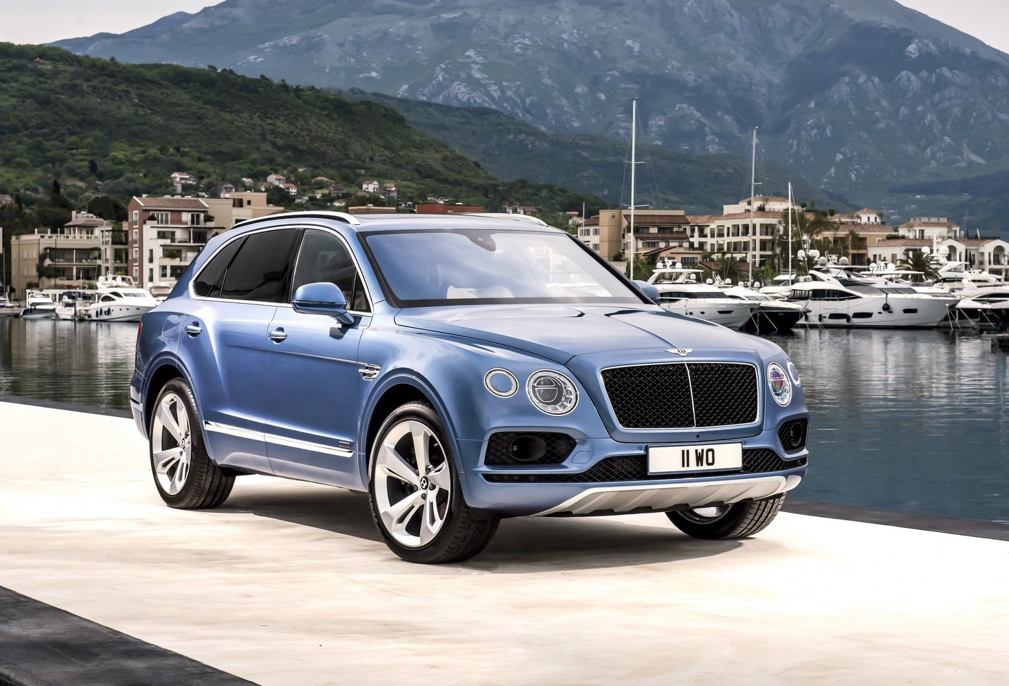 Bentley bentayga diesel revealed gets tri turbo v8 for The bentley