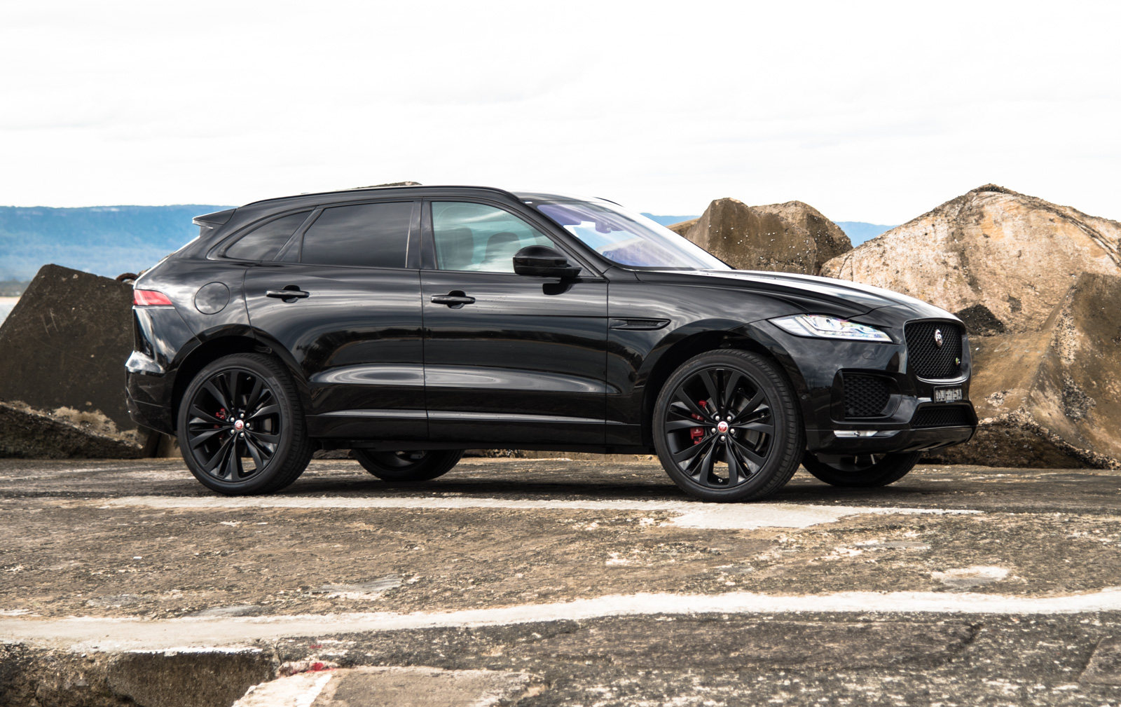 2016 jaguar f pace s 35t review first impressions pov performancedrive. Black Bedroom Furniture Sets. Home Design Ideas