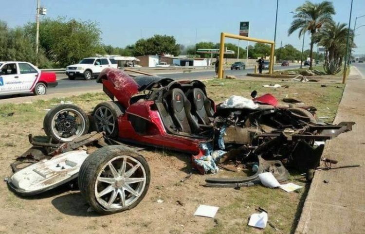 Koenigsegg CCX crash-Mexico