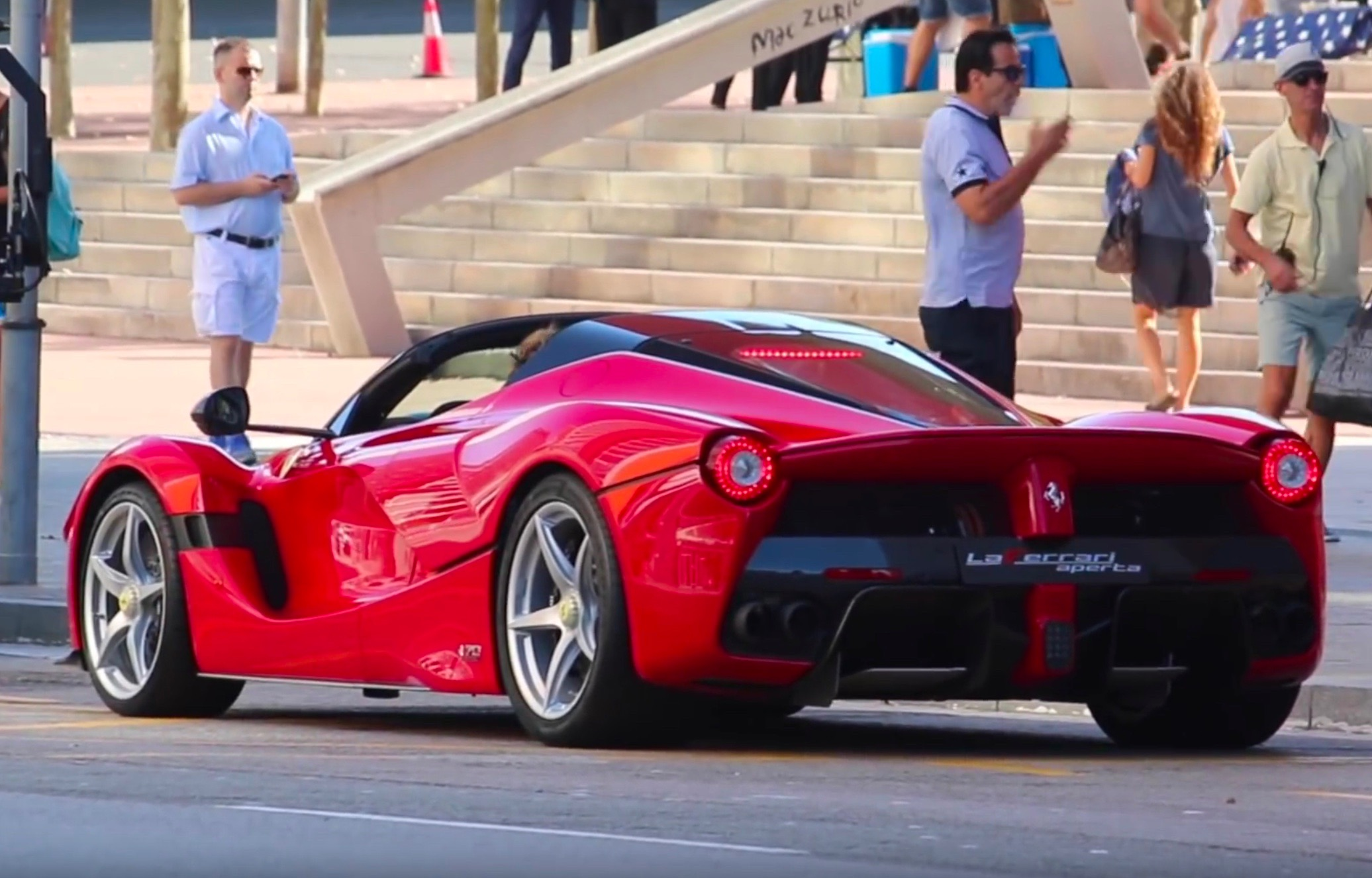Laferrari Aperta Confirmed As Name For New Convertible