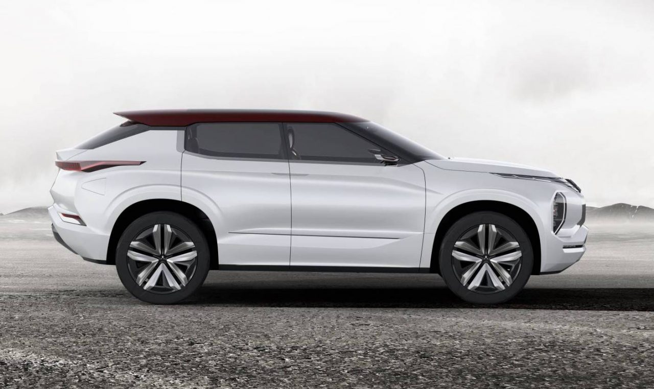 Mitsubishi Outlander Phev 2019 >> Mitsubishi GT-PHEV concept shown ahead Paris debut | PerformanceDrive