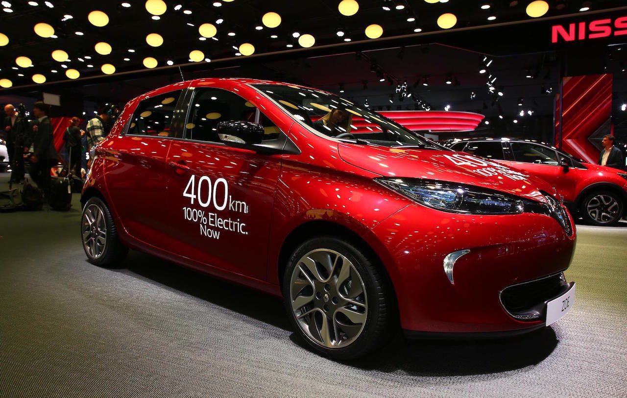 renault zoe ze 40 unveiled at paris motor show 400km range performancedrive. Black Bedroom Furniture Sets. Home Design Ideas