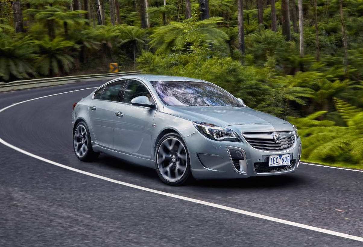 2018 insignia commodore to feature torque vectoring performancedrive. Black Bedroom Furniture Sets. Home Design Ideas