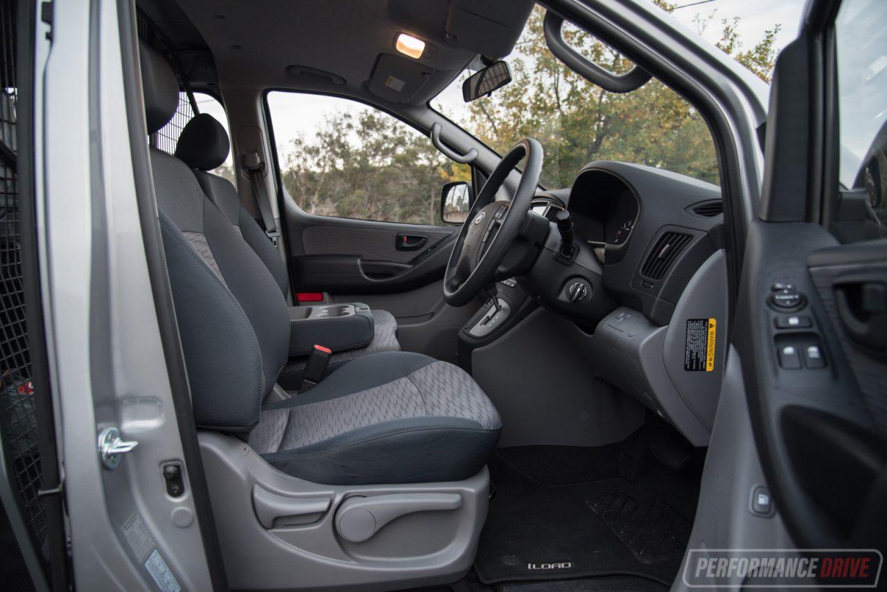 2016 Hyundai Santa Fe >> 2016 Hyundai iLoad Series II: 7-point inspection ...