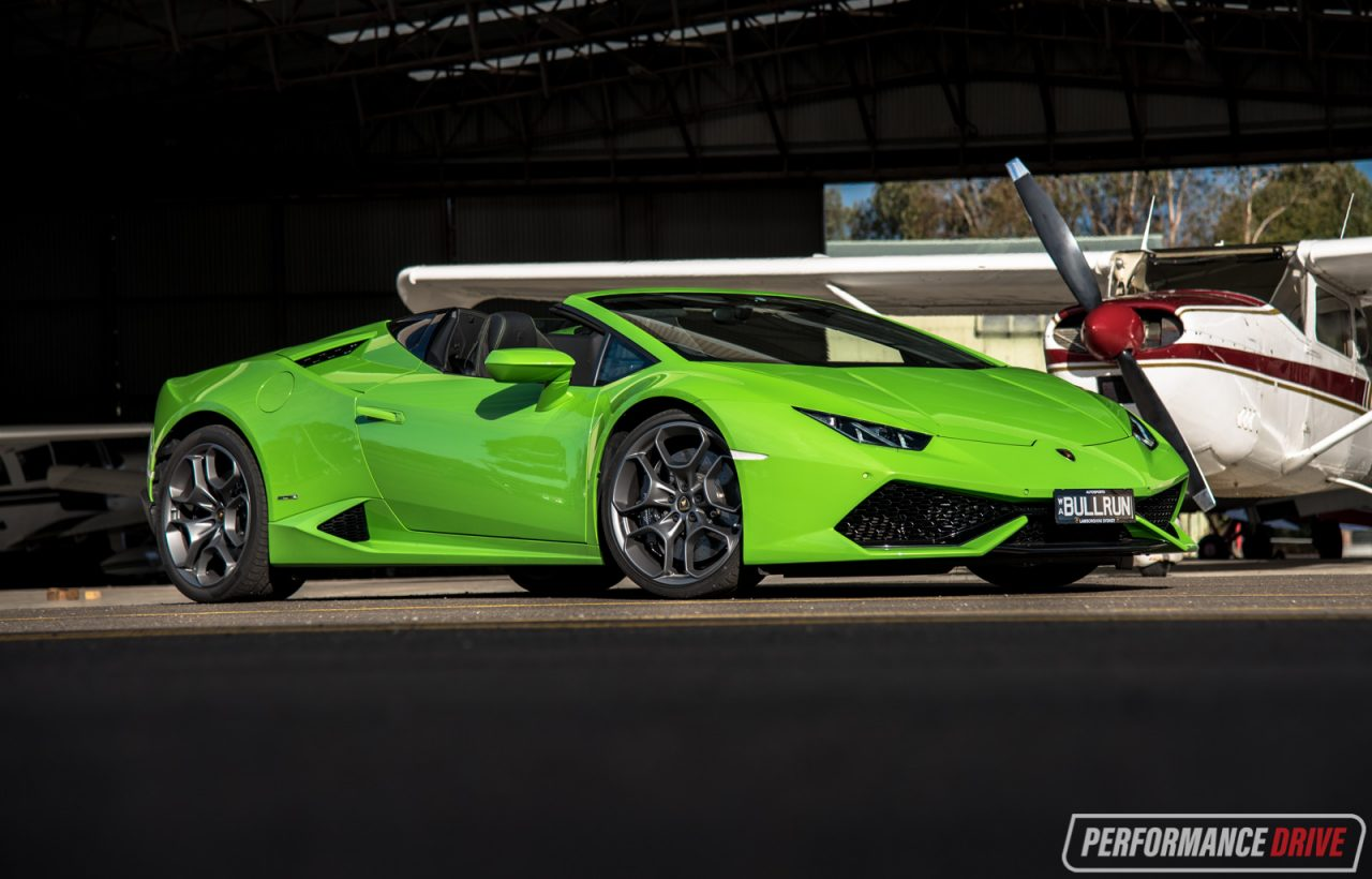 2016 lamborghini huracan spyder review video performancedrive. Black Bedroom Furniture Sets. Home Design Ideas