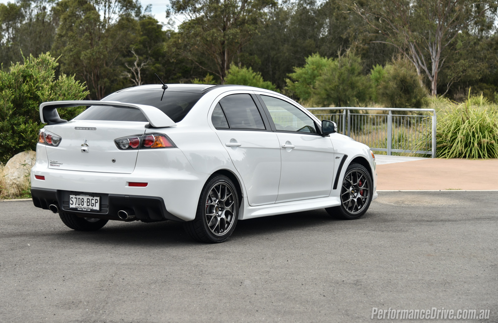 10 things we 39 ll miss most about the mitsubishi evo x performancedrive. Black Bedroom Furniture Sets. Home Design Ideas