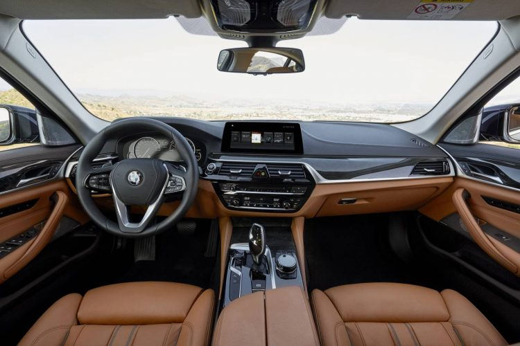 2017-bmw-5-series-luxury-line-interior