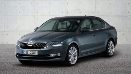 2017 Skoda Octavia facelift revealed, new headlight design