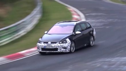 2017 Volkswagen Golf R wagon spotted, more power expected (video)