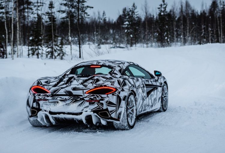 mclaren-ice-driving-experience-snow