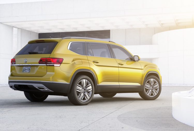 volkswagen-atlas-back