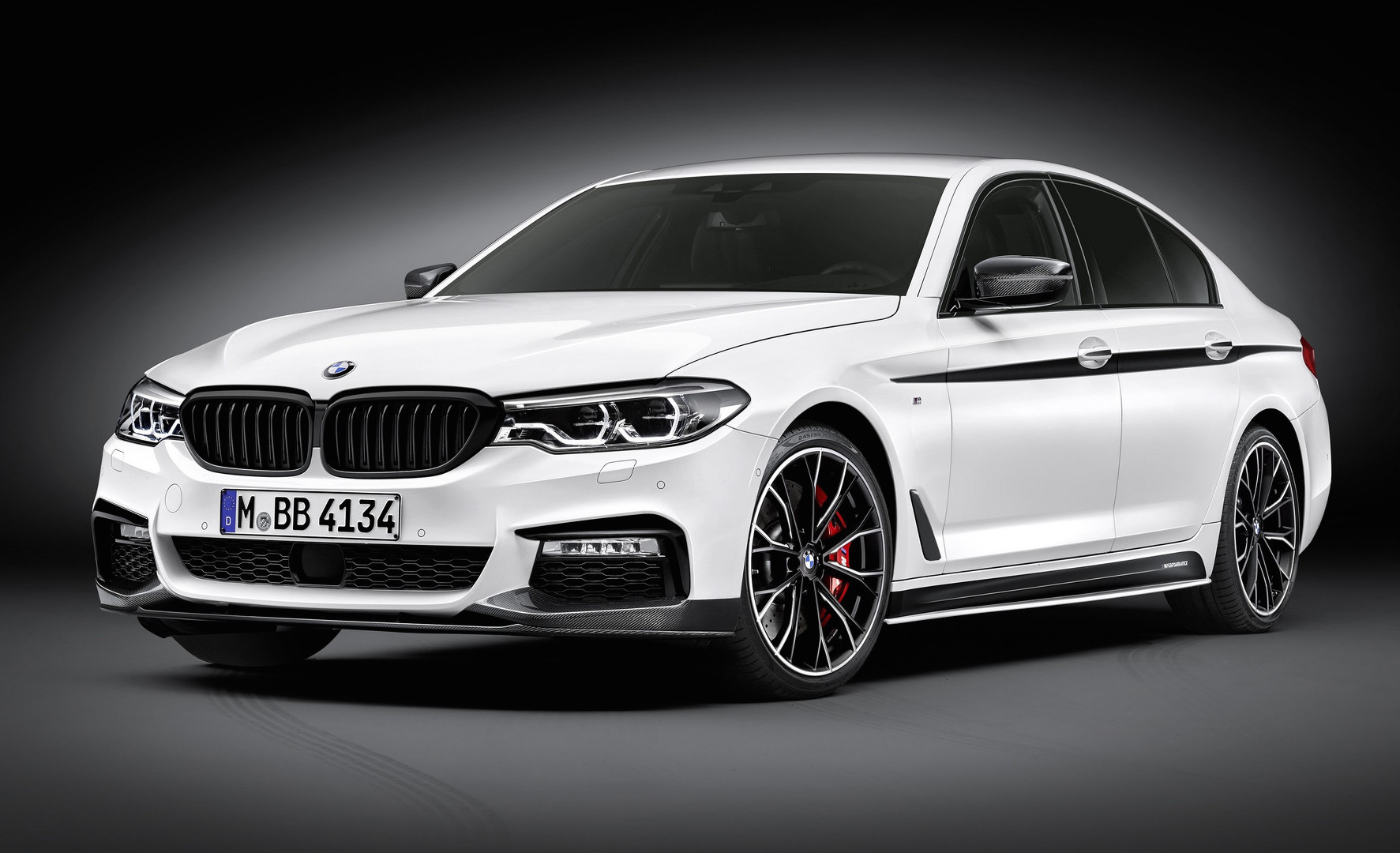 bmw reveals m performance parts for 2017 5 series performancedrive. Black Bedroom Furniture Sets. Home Design Ideas