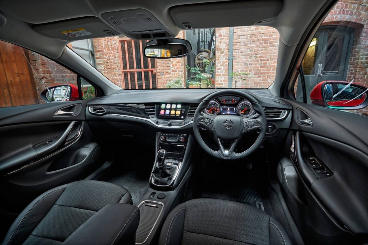 2017 holden astra now on sale in australia from 21 990 performancedrive. Black Bedroom Furniture Sets. Home Design Ideas