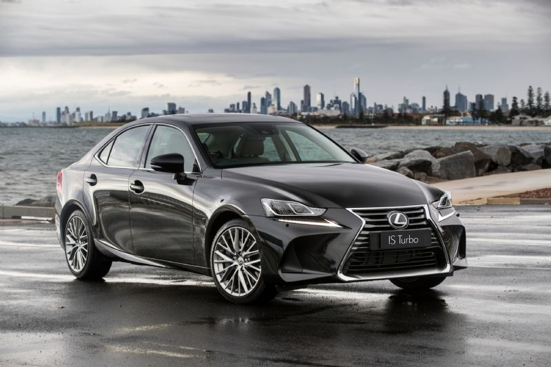 2017 lexus is 200t 350 300h now on sale revised design more standard kit performancedrive. Black Bedroom Furniture Sets. Home Design Ideas