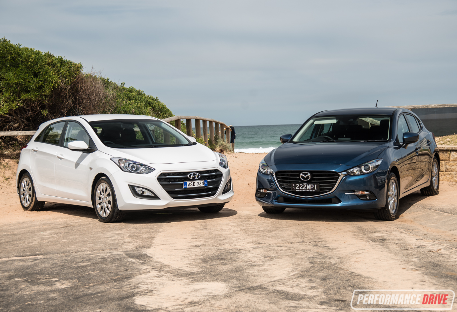 2017 mazda3 vs hyundai i30 small car comparison video rh performancedrive com au Hyundai I30 Interior manual de taller hyundai i30 gratis
